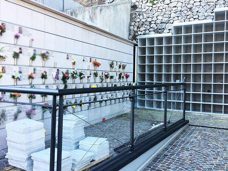 Ossari in vetroresina senza borchie realizzati e installati da bosisio