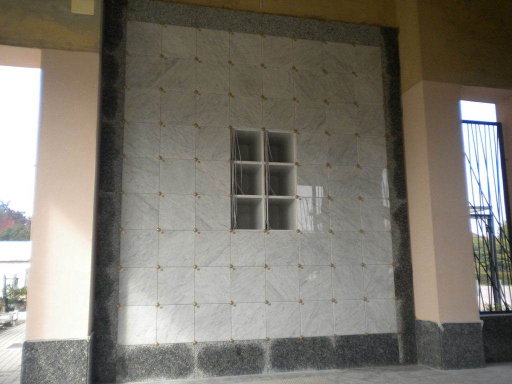 Cinerari in vetroresina